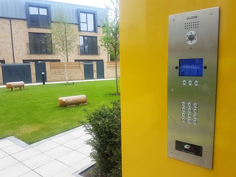 La tecnología DUOX de Fermax instalada en el principal proyecto residencial del sur de Londres
